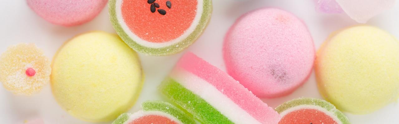 Quà lưu niệm bánh kẹo khi du lịch Nhật Bản