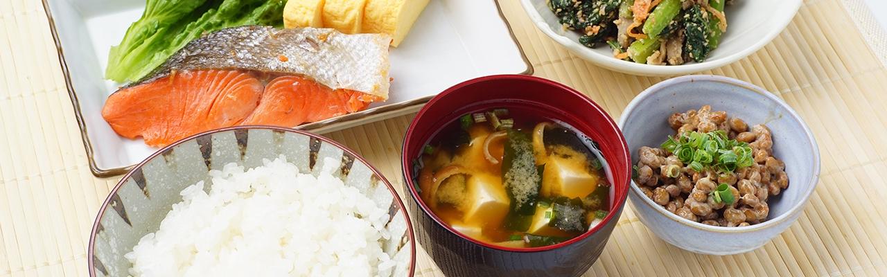 Người Nhật sống lâu, trẻ đẹp nhờ ăn sáng đúng cách