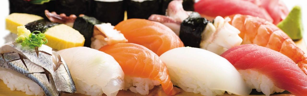 """Sushi từ """"đường"""" vào """"nhà"""""""