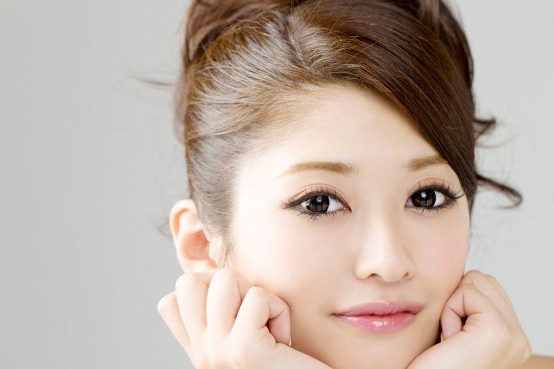 làn da mịn màng đáng ngưỡng mộ của phụ nữ Nhật