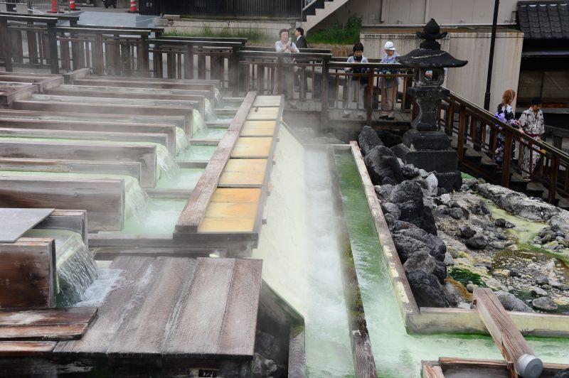 thửa ruộng nước khoáng nóng