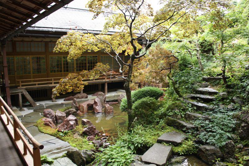 Quang cảnh chùa Shojoshinin
