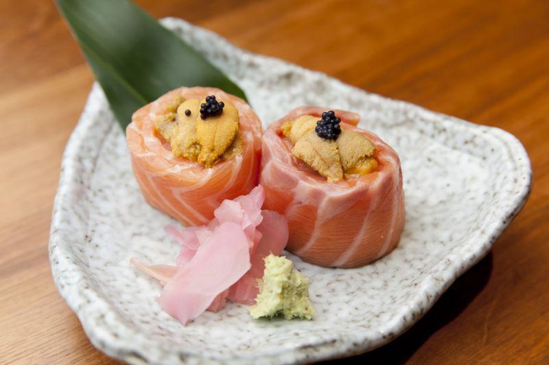 Salmon Uni Gunkan