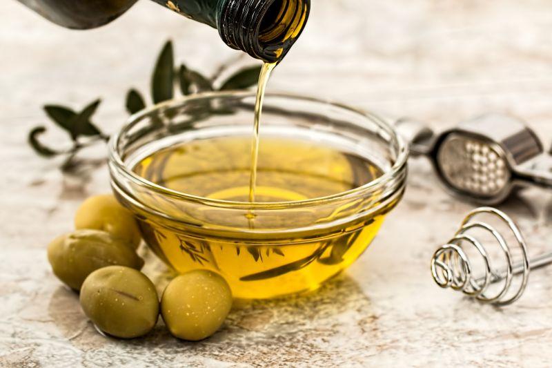 Dầu olive chứa nhiều acid béo giống với làn da con người