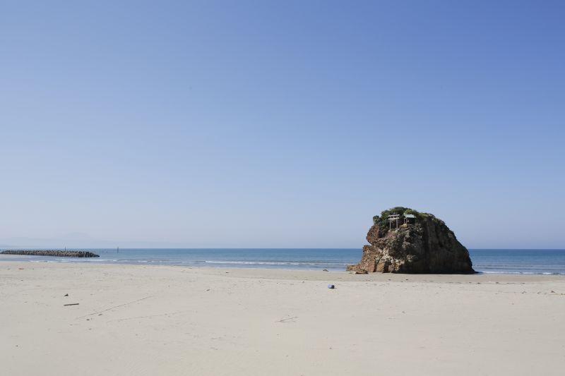 出雲大社からほど近い稲佐の浜
