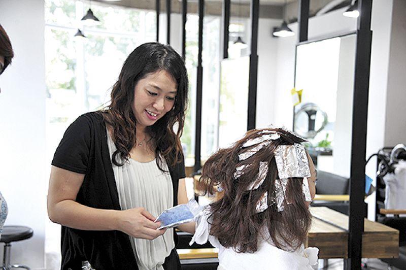 Chuyên viên tạo mẫu tóc tại Rita Salon