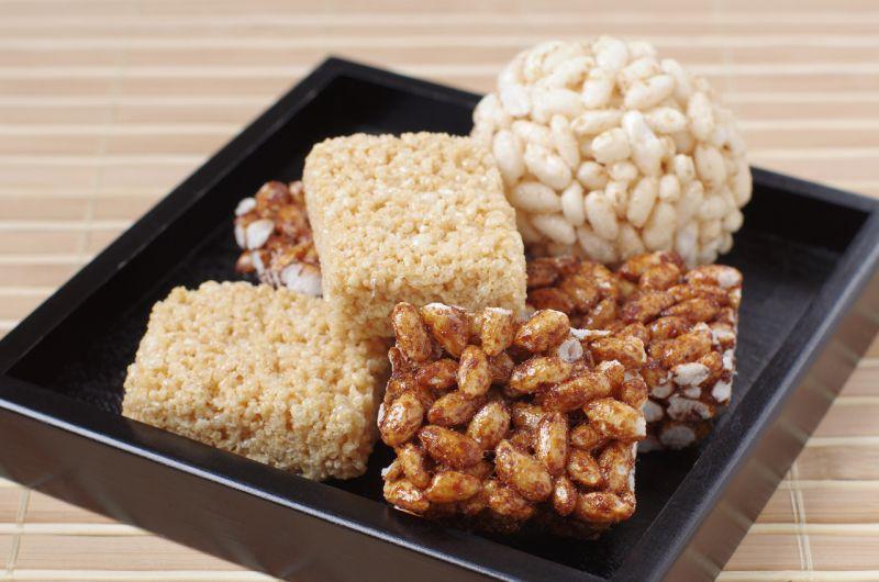 bánh gạo nếp Okoshi
