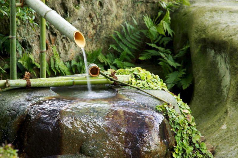 Vòi nước ống tre