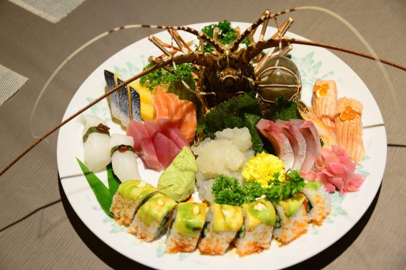 sashimi tôm hùm Quan's sushi