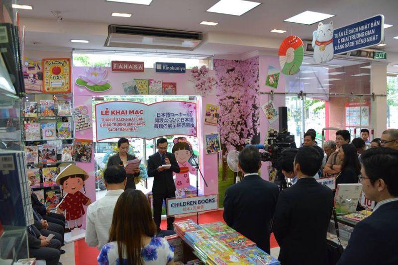Lễ khai mạc Tuần lễ sách Nhật Bản và khai trương gian hàng sách tiếng Nhật