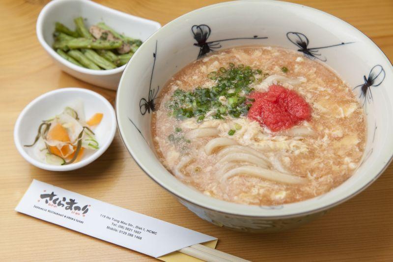 mì Udon trứng cá tuyết với súp trứng