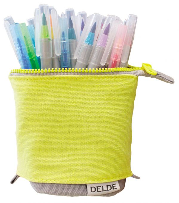 stand up pen case