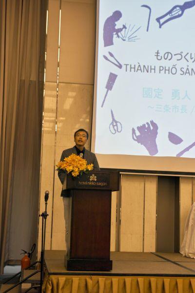 Ông Isato Kunisada, thị trưởng thành phố Sanjo