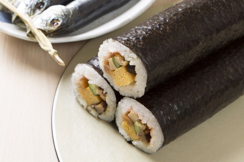 sushi cơm cuộn rong biển ehomaki