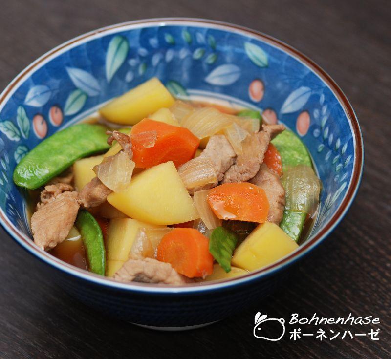nikujaga nguyên liệu chính là thịt và khoai tây