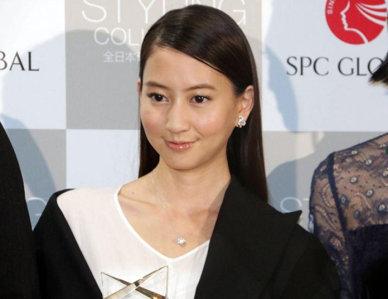 nữ diễn viên Mayuko Kawakita