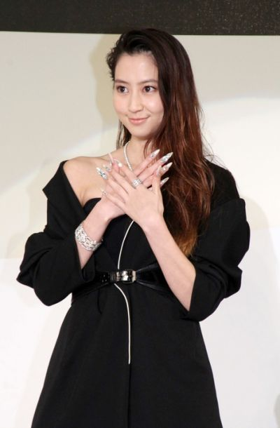 diễn viên Mayuko Kawakita