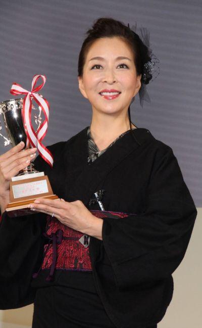 Miki Maya bất ngờ khi nhận giải thưởng Nail Queen 2016