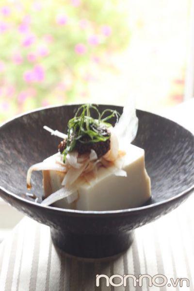 hạt chia reiko yamada với món đậu phụ lạnh