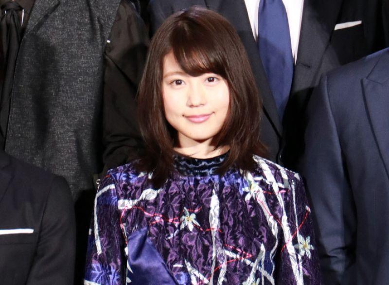 """Kasumi Arimura diện đầm xuyên thấu đầy quyến rũ tại sự kiện chiếu thử phim """"Sangatsu no Lion"""""""