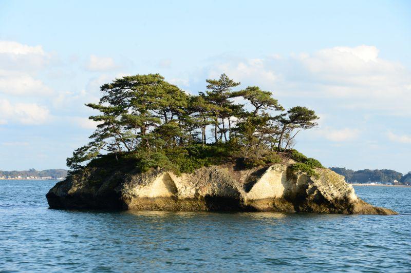 khối đá vôi kì dị ở vịnh Matsushima