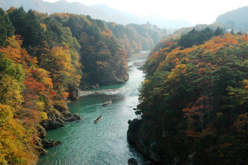 Suối nước nóng Kinugawa