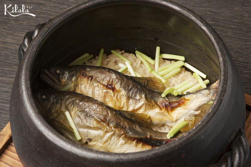 cơm Takikomi cá Ayu