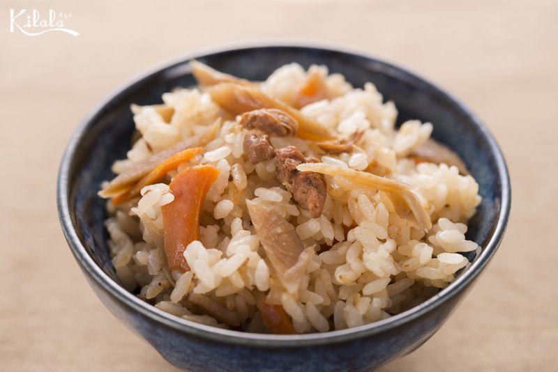 cơm Takikomi gà và ngưu bàng