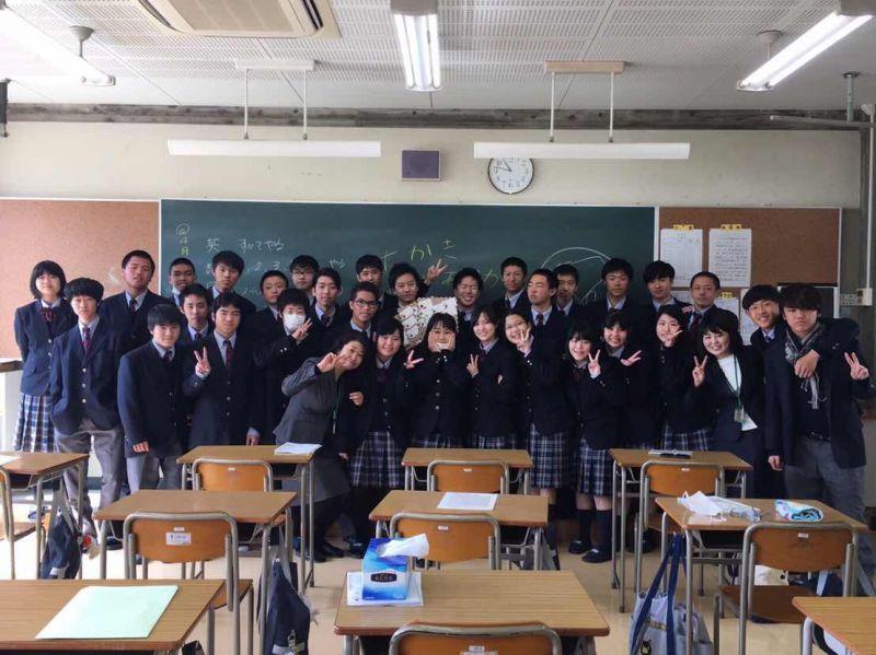 Sau học kì đầu tiên học tại lớp dành riêng cho du học sinh, Như Khoa đã có cơ hội được trau dồi tiếng Nhật hơn khi được chuyển vào học cùng học sinh bản xứ