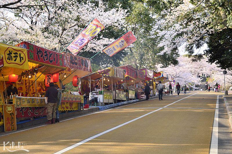 yatai trong lễ hội mùa hè của Nhật Bản