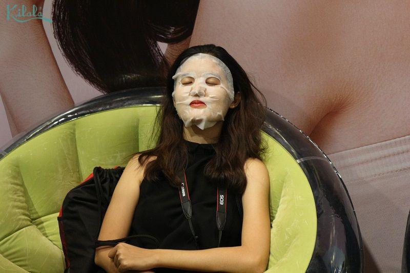 Trải nghiệm soi da, đắp mặt nạ miễn phí