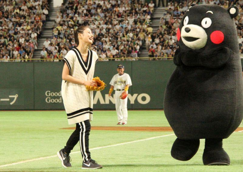 """sự kiện khai mạc giải bóng chày """"Suntory Dream Match 2017 in Tokyo Dome"""""""