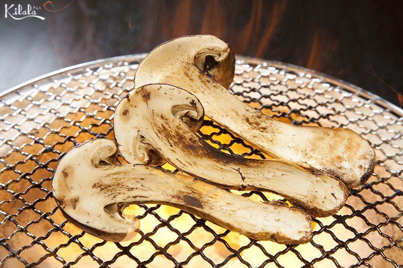 nấm Matsutake nướng than