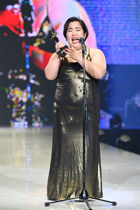 nữ diễn viên tấu hài Yuriyan Retriever