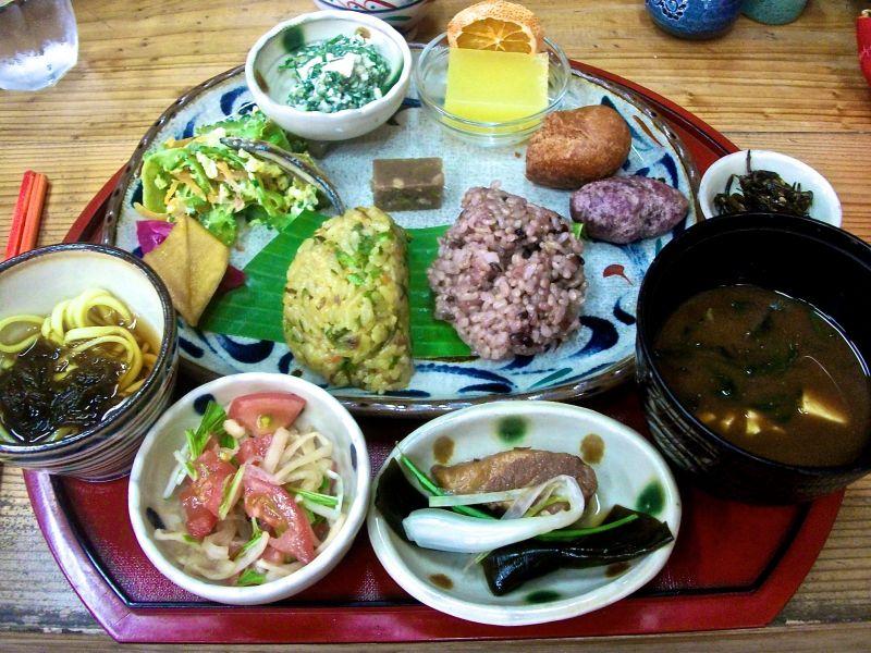 bữa ăn hàng ngày của người Okinawa