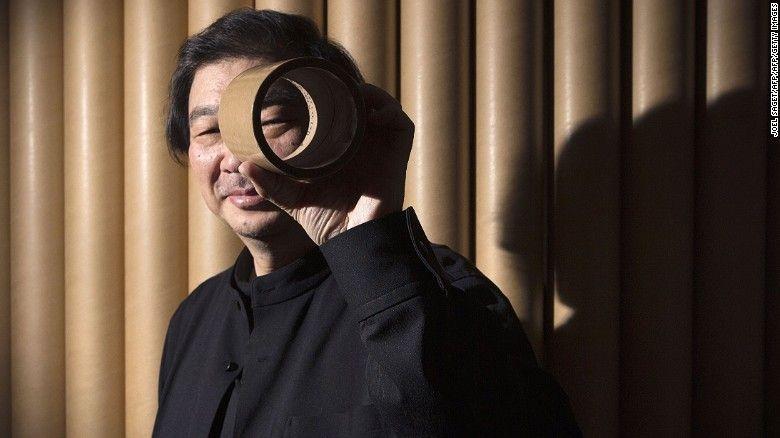 Kiến trúc sư Shigeru Ban