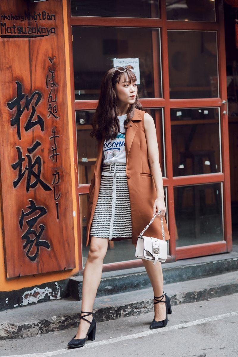 Váy tua rua và áo thun