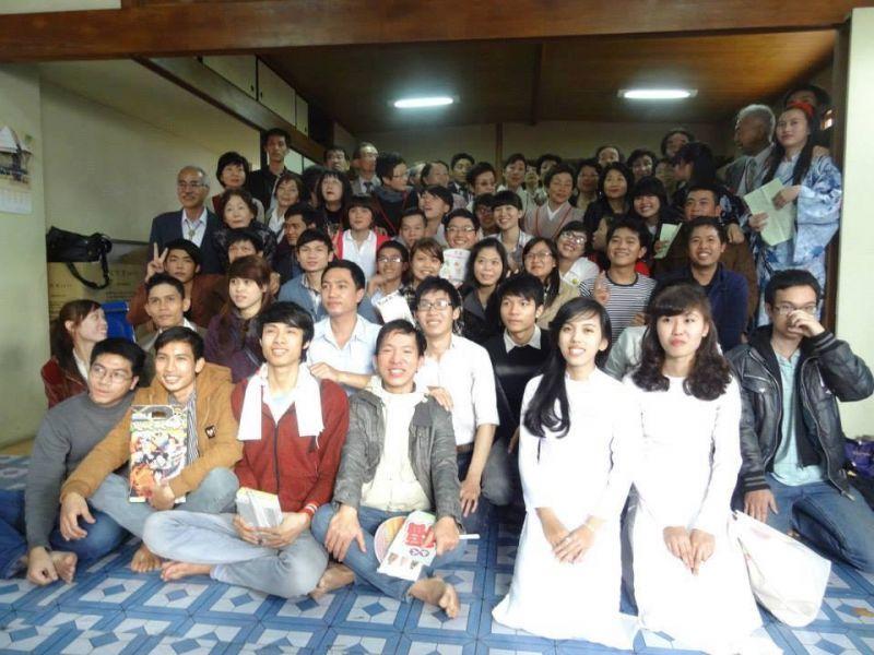 Chụp ảnh lưu niệm cùng Hội phụ nữ tỉnh Yamanashi