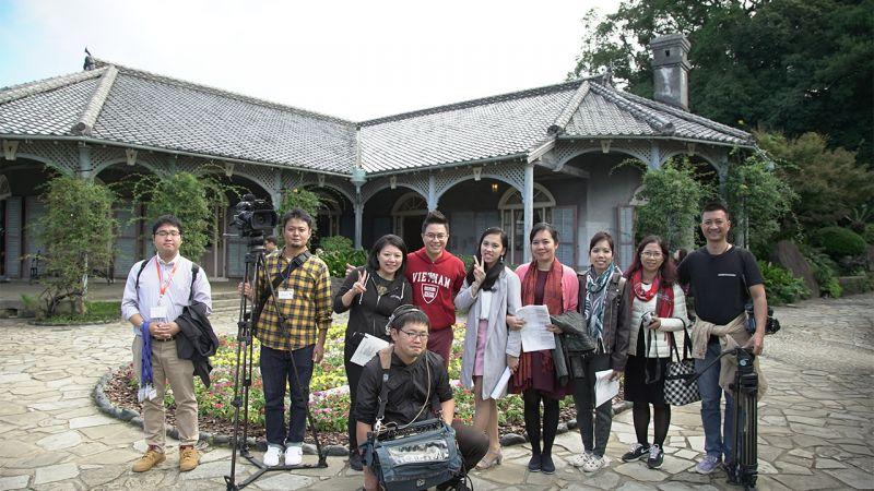"""ekip """"Sắc màu Nhật Bản"""" ghi hình tại vườn Glover"""