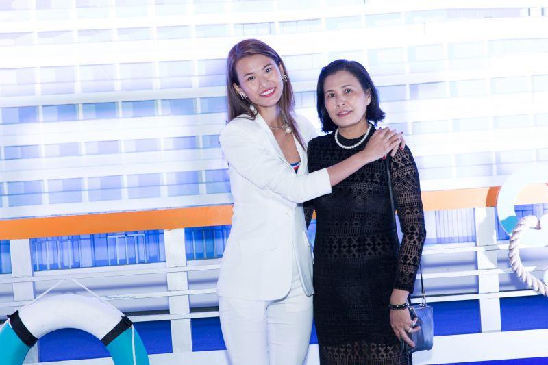 Người mẫu – travel blogger Cao Thiên Trang đưa mẹ đến Seashells nghỉ dưỡng