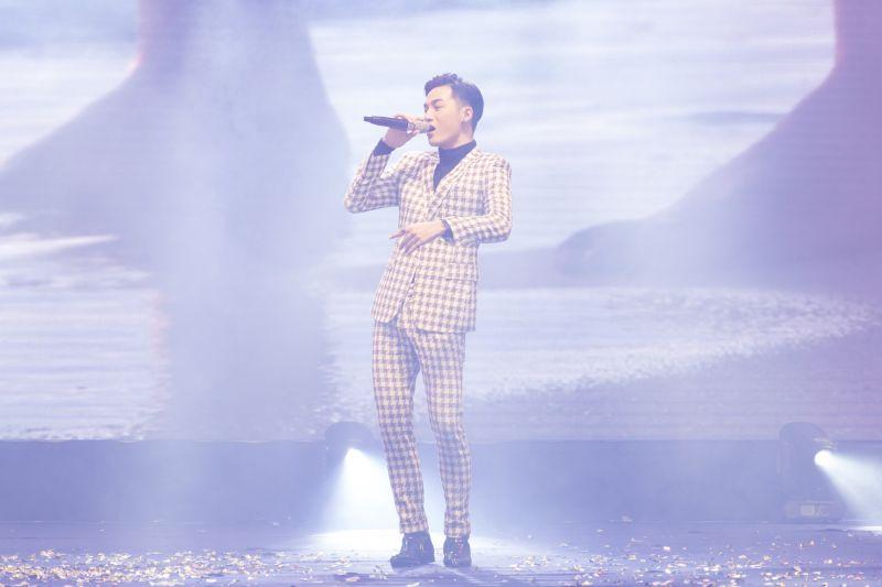 Hot boy The Voice Ali Hoàng Dương
