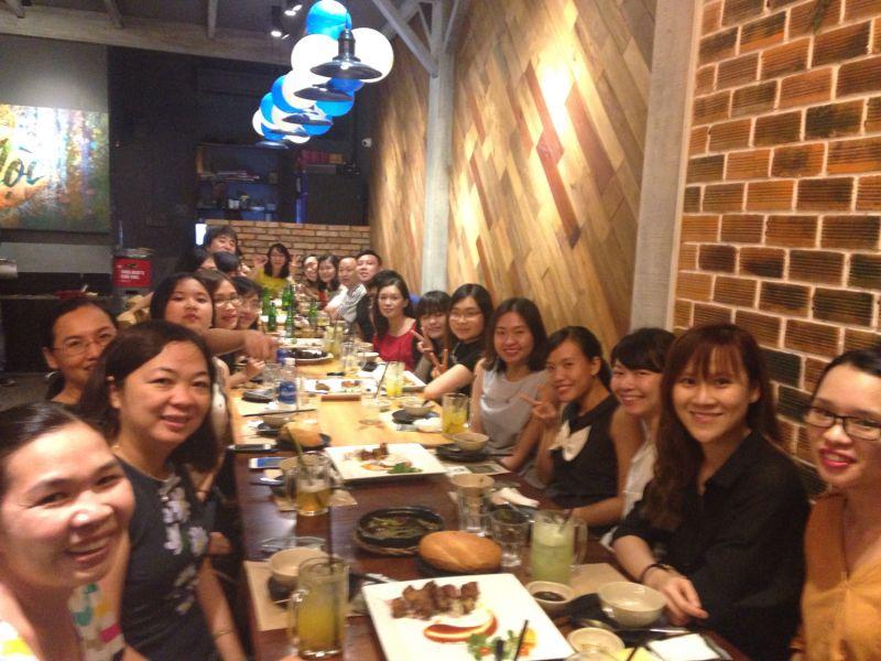Mayu Sendaさんと同僚たち