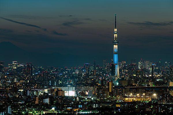 Tokyo Skytree nhìn trong khung cảnh trời đêm