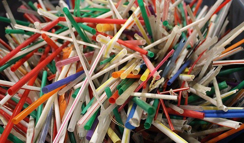 ống hút nhựa mất nhiều năm để phân huỷ