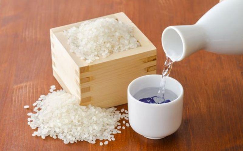 rượu sake truyền thống