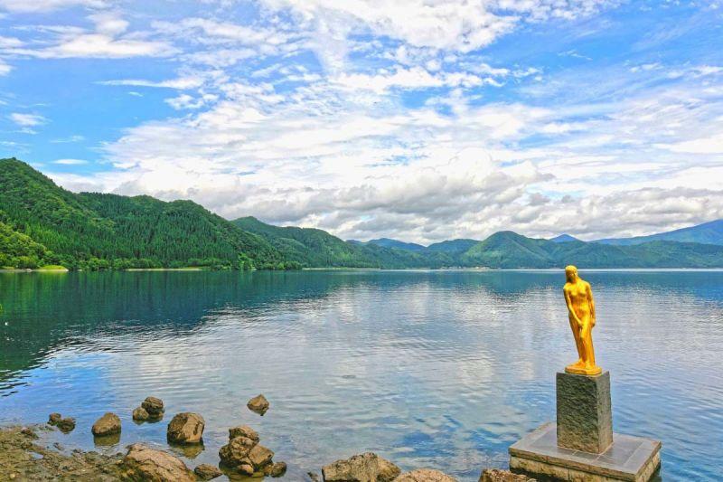 hồ Tazawa