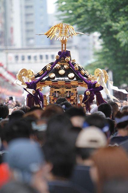 lễ hội Sanja tại Asakusa