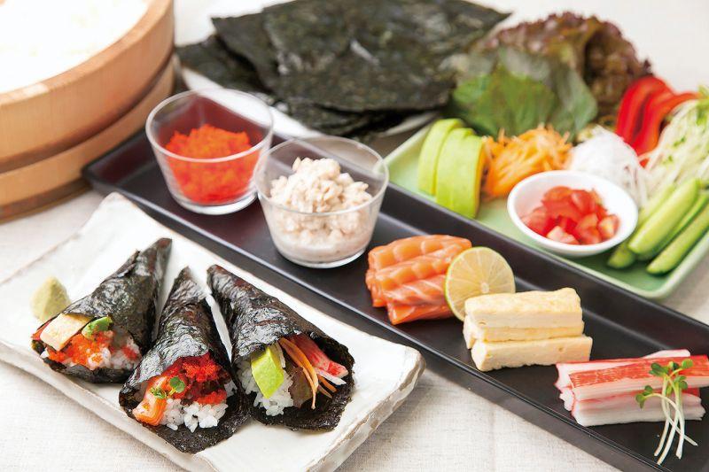 làm Sushi tự cuốn Temakizushi