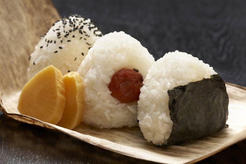 cơm nắm Nhật Bản - Onigiri
