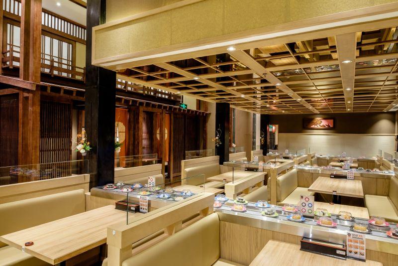 nhà hàng sushi băng chuyền Sushi Uraetei